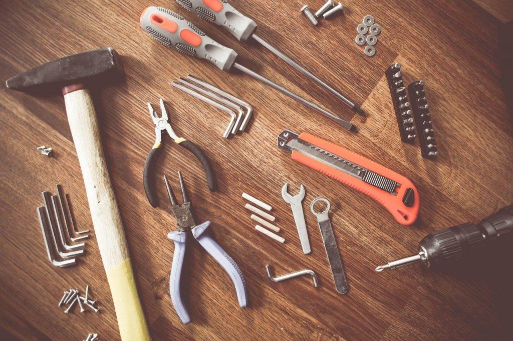 """""""Жилищник"""" отремонтировал плитку в подъезде дома на улице Юных Ленинцев. Фото: pixabay"""